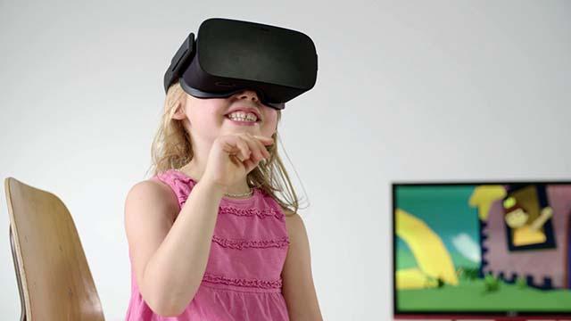 "9d2297b47 حذر بحث جامعي جديد من أن نظارات الواقع الافتراضي ""VR"" يمكن أن تشكل خطراً  على المستخدمين، وخصوصاً الأطفال. ووجد علماء من جامعة ""Leeds"" أن 20 دقيقة  فقط من ..."