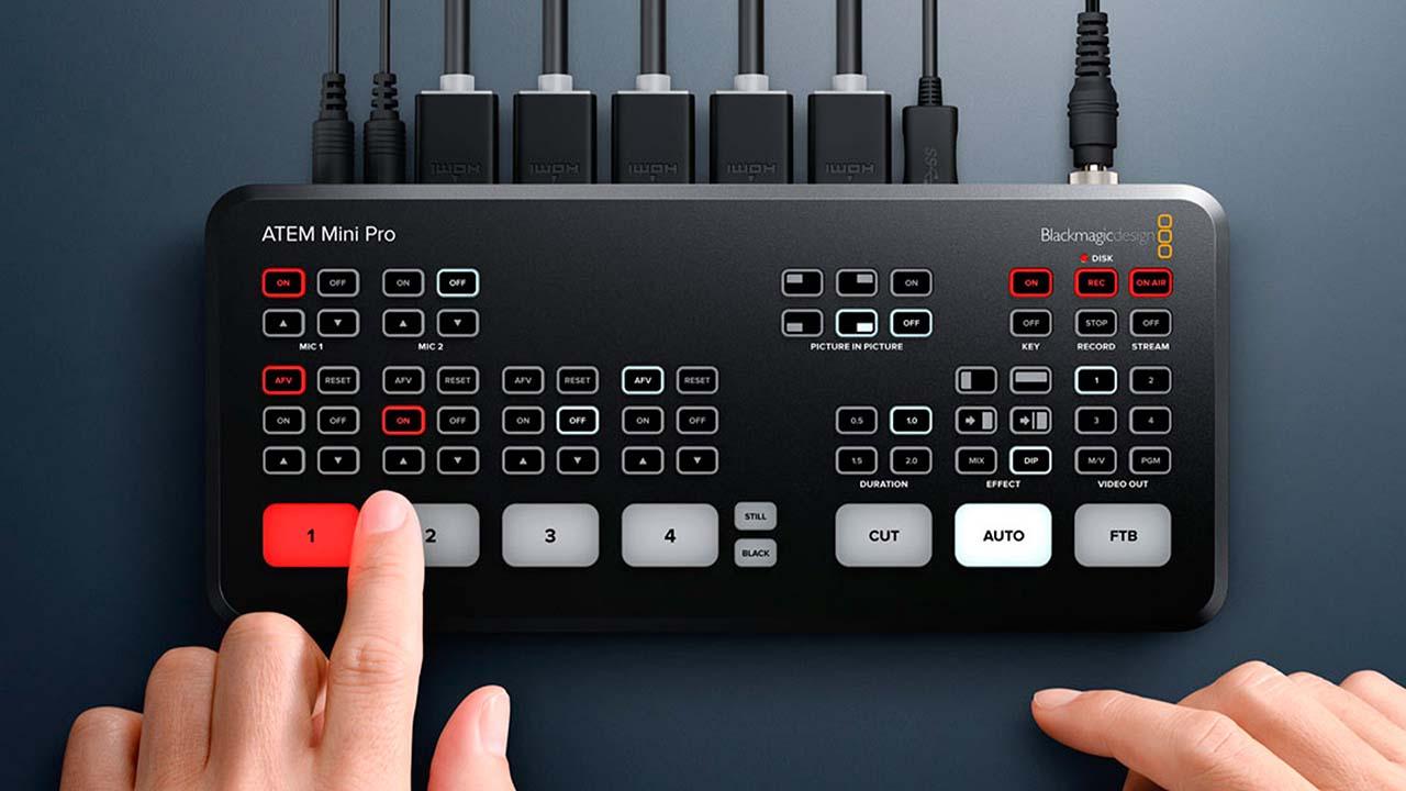 صورة مراجعة Blackmagic ATEM Mini Pro للبث الاحترافي